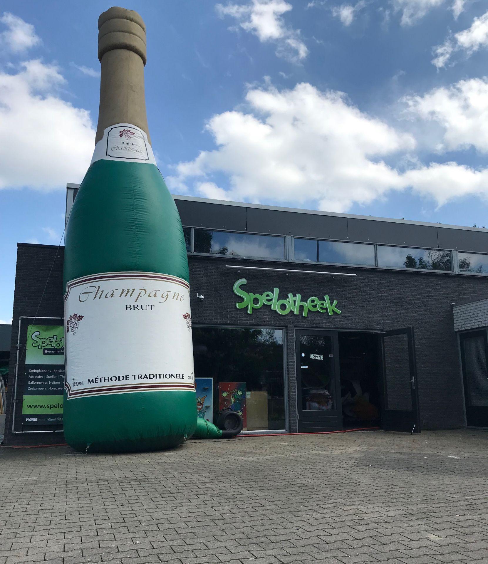 Champagnefles Opblaasbaar 7 meter