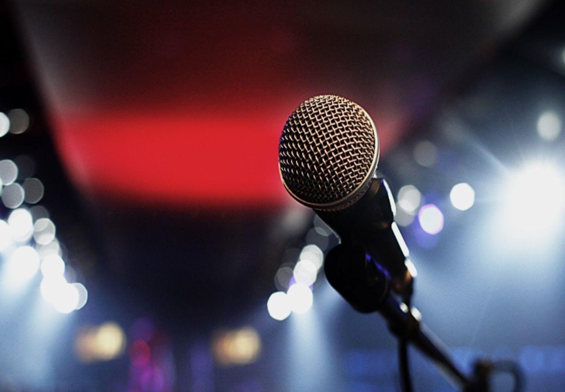 Karaoke met geluidsbox
